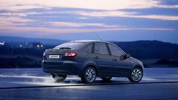 АвтоВАЗ сообщил о старте производства LADA Granta с мультимедийной системой Enjoy Pro