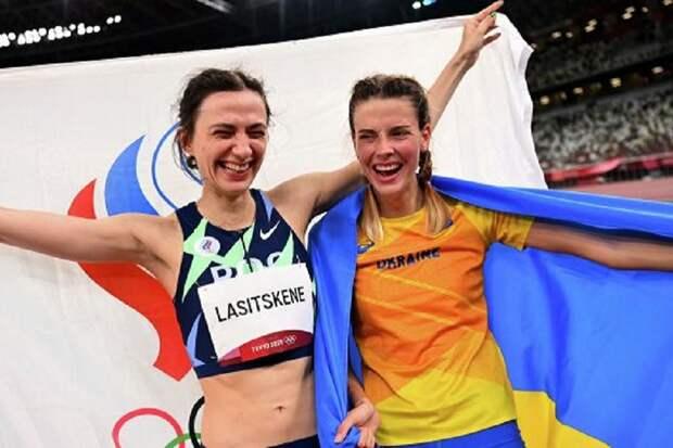 Украинскую спортсменку из-за фото с россиянкой вызвали в Минобороны