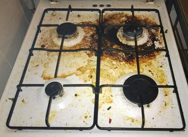 Благодаря лайфхаку с клеем моя 30-летняя плита все еще выглядит как новая