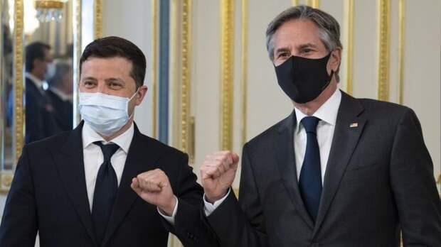 Пушков высмеял Зеленского и Блинкена, поднявших кулаки после встречи в Киеве