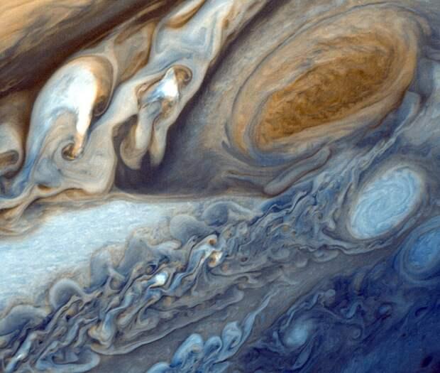 Учёные нашли эльфов в атмосфере Юпитера