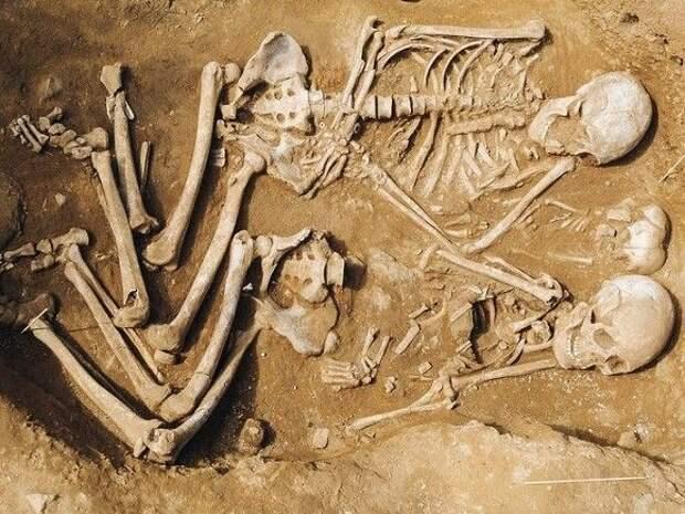 Археологи нашли в пещере близ Рима останки девятерых неандертальцев