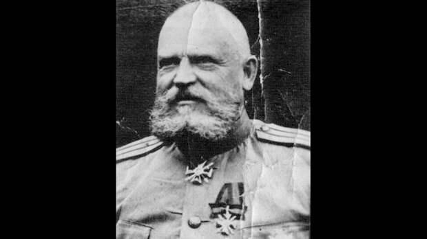 Царский генерал охраняющий Сталина