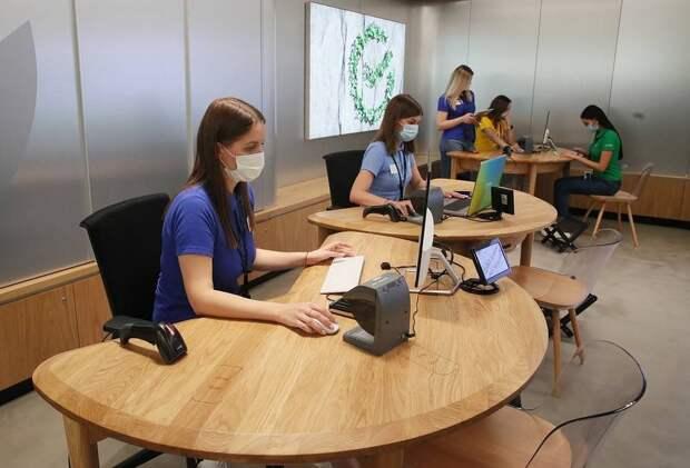 Сбербанк открыл в Москве первое отделение нового формата