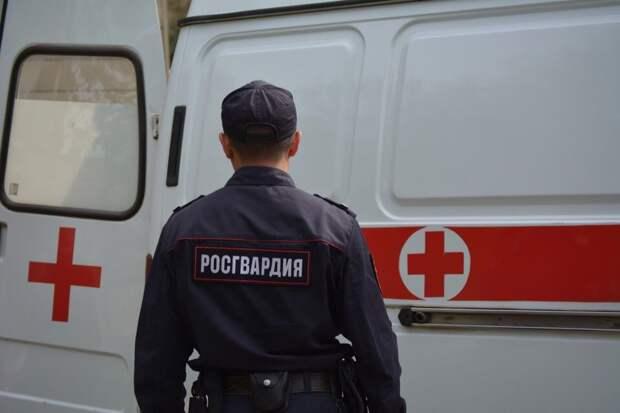 Омич не хотел ехать в больницу и стал угрожать врачам скорой