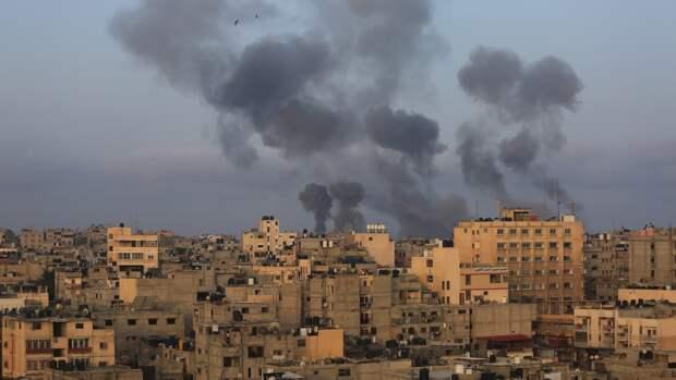 """Израильская система ПРО """"Железный купол"""" перехватила 100 выпущенных из сектора Газа ракет"""