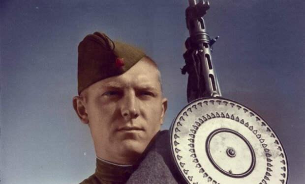 Сколько получали советские солдаты за сбитый самолет и танк: вознаграждения в Красной Армии