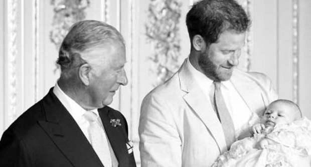 Редкие встречи: сколько раз в жизни принц Чарльз видел своего внука Арчи