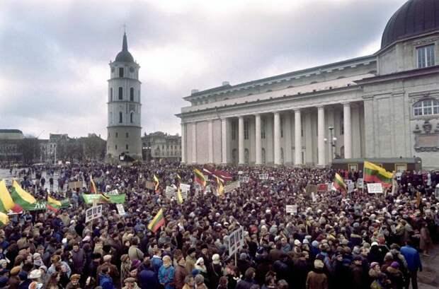 Хроники государственного переворота: фотографии, сделанные в период захвата власти в 1991 году
