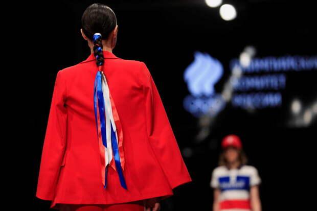 """МОК утвердил олимпийскую форму для Токио с """"гигантским флагом России"""" и тайным оберегом"""