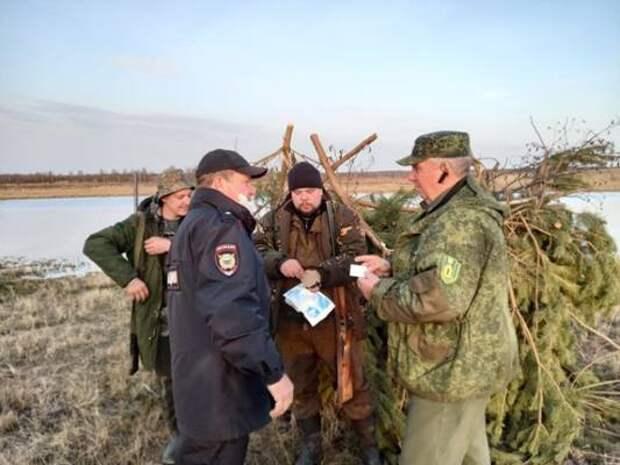 Соблюдение правил охоты в весенний сезон контролируют более 300 охотничьих инспекторов