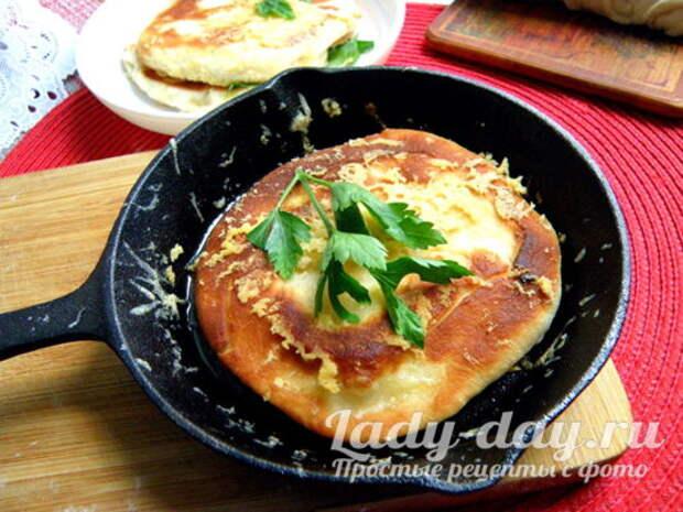 сырные лепёшки на сковороде рецепт с фото