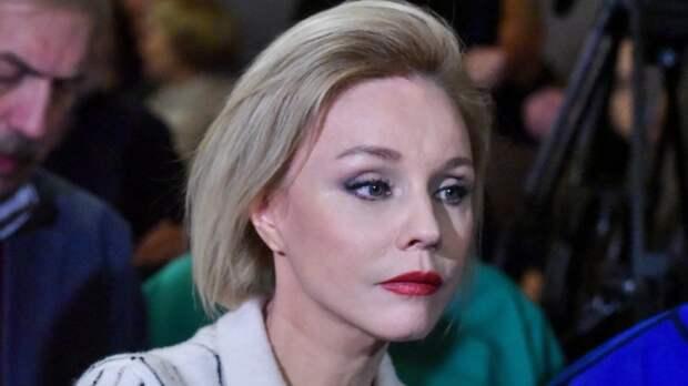 Марина Зудина публично осудила Елену Проклову после откровений о домогательствах