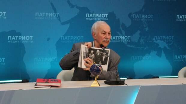 """Ветеран журналистики объяснил, как не стать """"случайным человеком"""" в СМИ"""