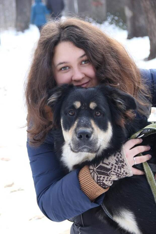 Она увидела на улице песика, страдающего рахитом! И, благодаря волонтерам, спасла ему жизнь!