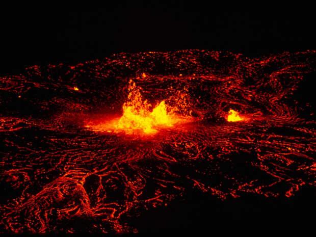 В ДР Конго проснулся мощный вулкан, жители в панике
