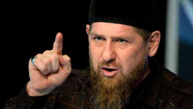 """Кадыров назвал """"черным пиаром"""" новости о победе сына в боксерском бою"""