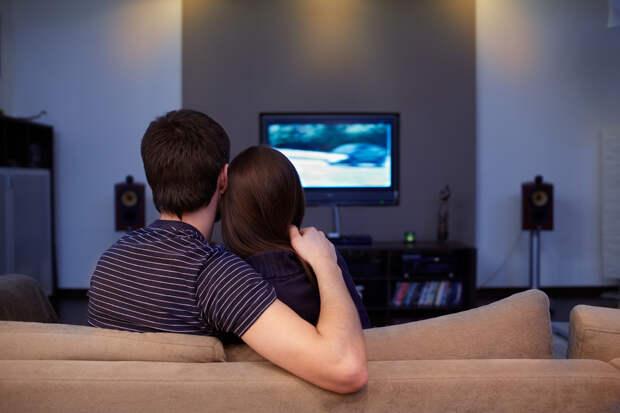 Врач рассказал, какправильно смотреть телевизор