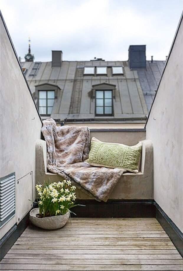 Очень красивое оформление балкончика с романтическими нотками, что впечатлит и понравится точно.