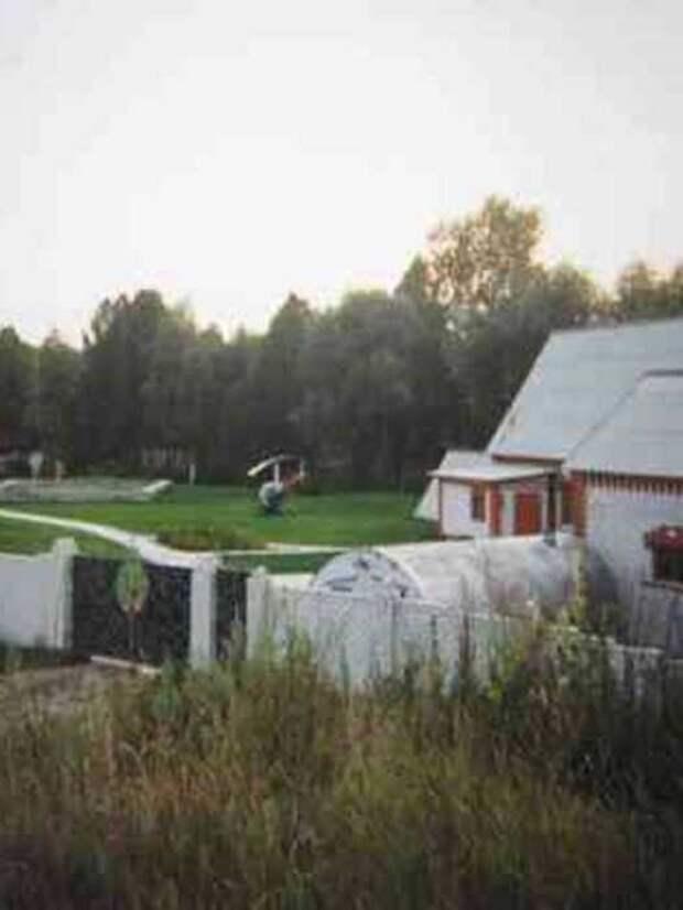 Почем под Барнаулом продают усадьбу с озером и вертолетной площадкой