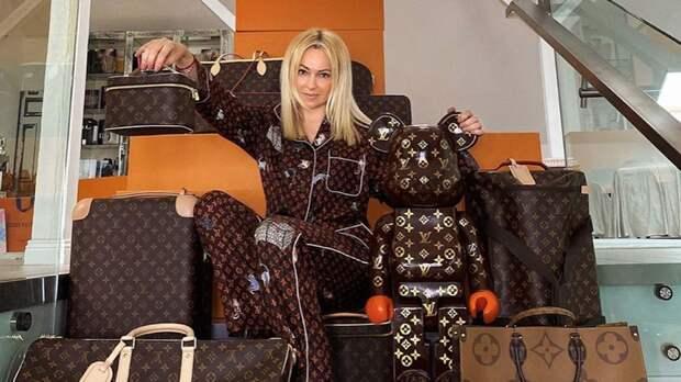 «Стыдно за наших «випов». Ксения Песьякова отреагировала на скандал с женой Плющенко и сумками Louis Vuitton
