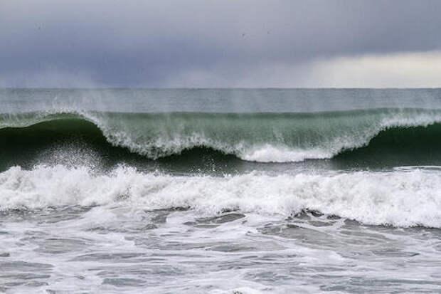 На Азовском побережье Краснодарского края ожидаются мощные ливни, град и ветер