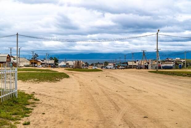 Дорогу в поселке Хужир на Ольхоне капитально отремонтируют