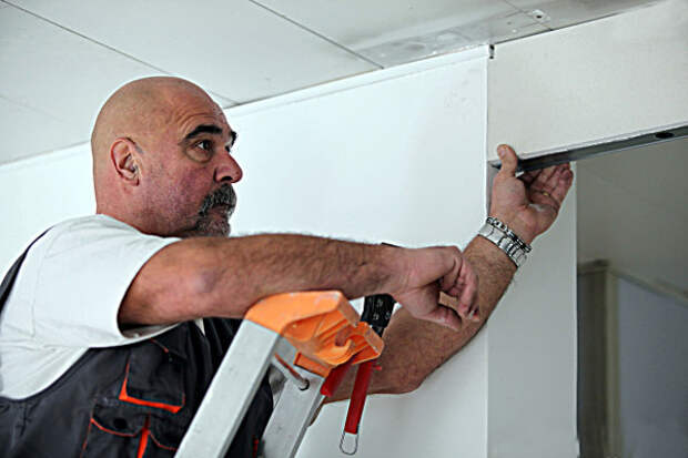 Уменьшение высоты дверного проема с помощью гипсокартона