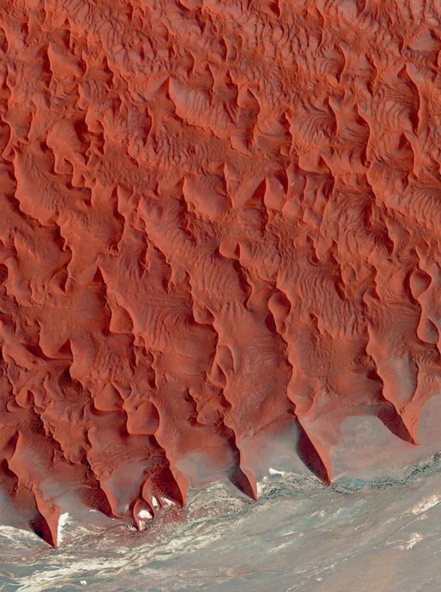 7. Соль и глина, пустыня Намиб, Намибия фото со спутника, фотограф Бенджамин Грант, фотографии