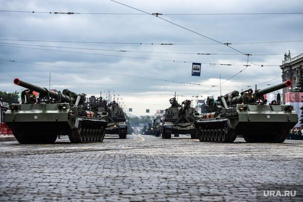 Вовремя репетиции парада Победы вУфе загорелся танк