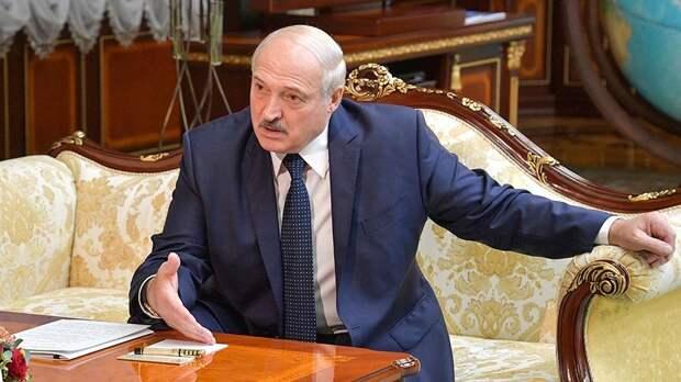 Лукашенко заявил, что Россию ждет крах в случае разрушения Белоруссии