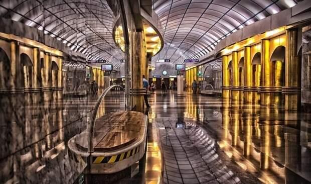 Петербургу должно быть стыдно за свое метро