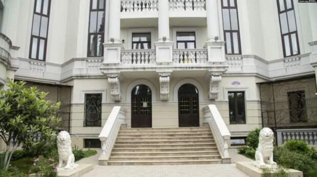 Опубликованы фото просторной Зе-квартиры в Крыму