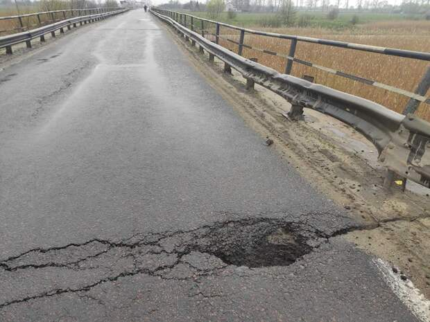 На Украине рухнул очередной мост