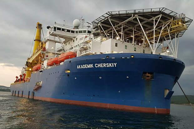 Метания судна для завершения «Северного потока-2» объяснили санкциями