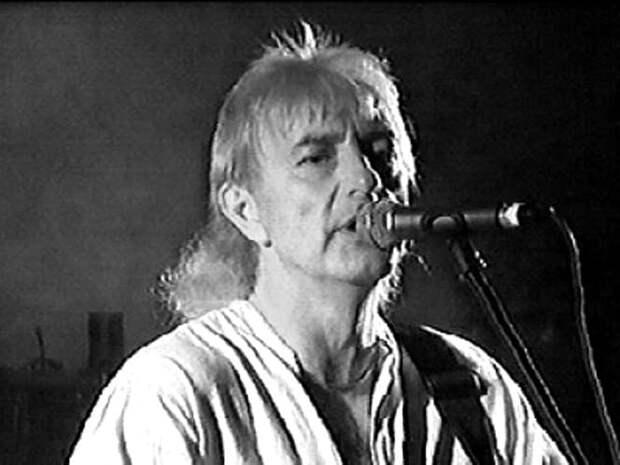 Умер вокалист рок-группы Uriah Heep Джон Лоутон