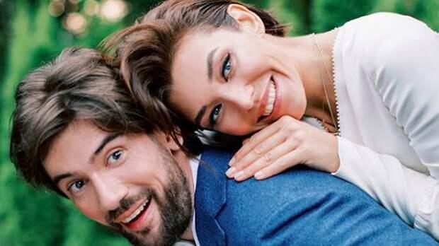 Звезды «Орла и Решки» принимают поздравления со свадьбой