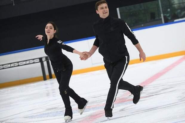 Евгения Медведева показала тренировку с Александром Энбертом в парном катании