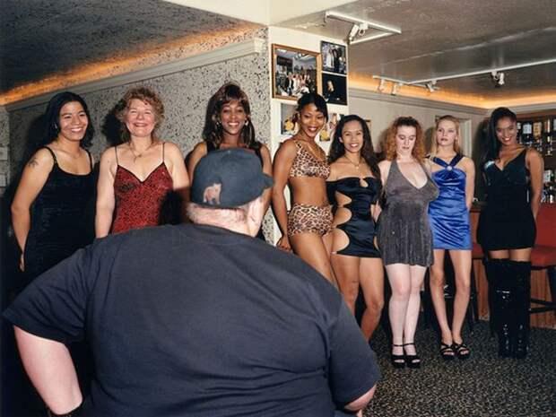 14 фотографий из дома разврата. Ничем не прикрытая правда из жизни проституток!
