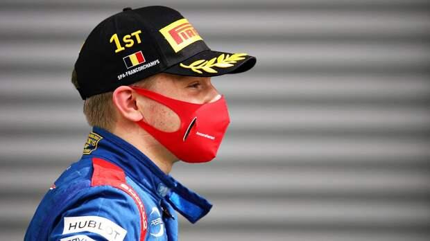 Шварцман занял третье место в третьей гонке Гран-при Азербайджана Формулы-2