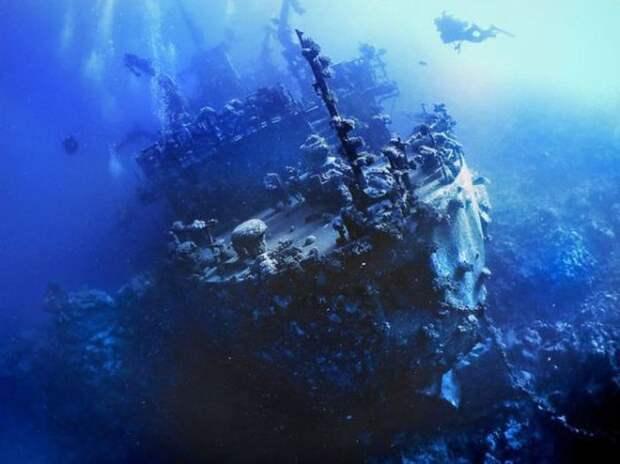 Русское кораблекрушение (юг Красного моря).