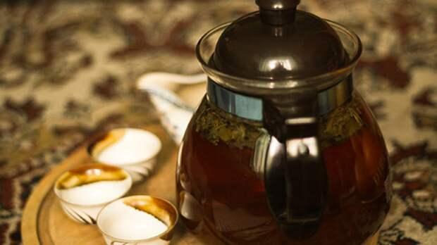 Врач-гастроэнтеролог Арзуманян предупредила об опасности горячего чая