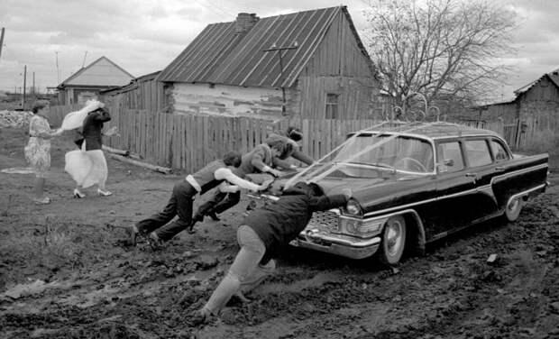 """Дизельпанк """"секретного гаража"""" Андрея Ткаченко: ностальгический СССР"""