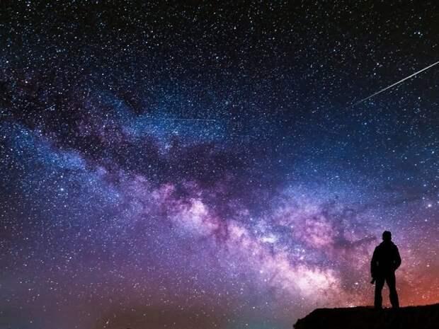 Астрономы заметили в центре Галактики гигантскую мигающую звезду