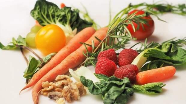 """Офтальмолог Куренков оценил влияние употребления овощей для """"спасения"""" зрения"""
