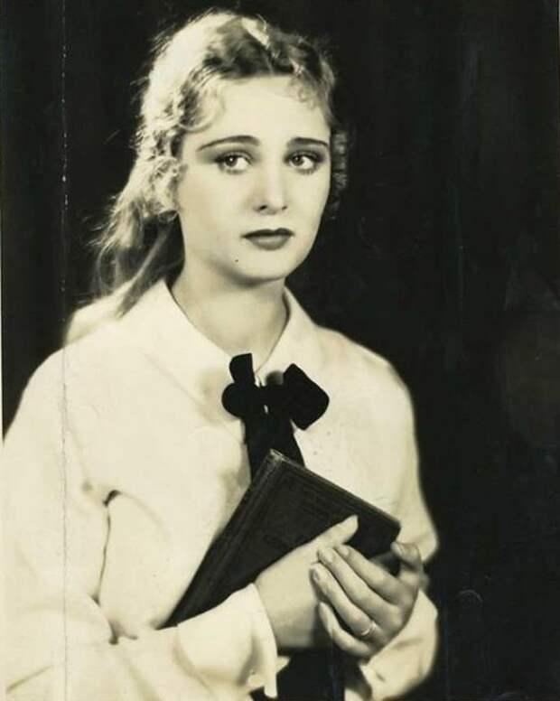 Долорес Костелло