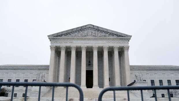 Присяжные признали исполнителя песни I Believe I Can Fly виновным в торговле людьми
