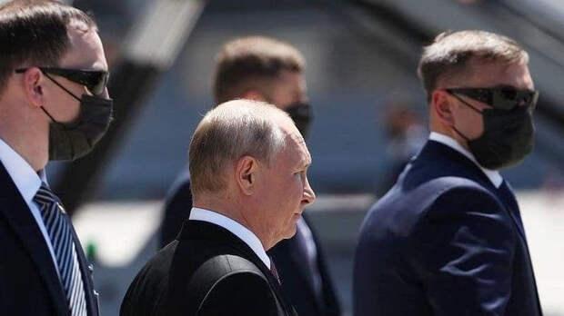 Путин приехал на виллу Ла Гранж
