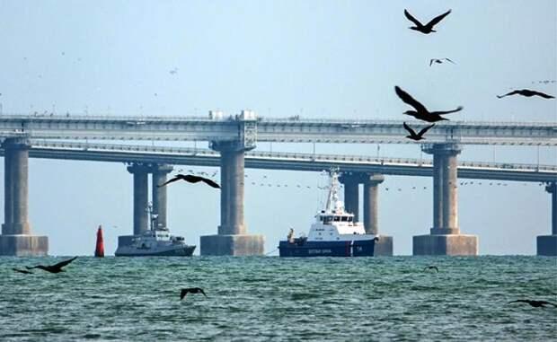 Совершенно секретная РЭБ: Кто «глушит» небо над Крымским мостом? Вход в Керченский пролив накрыт неопознанным «куполом молчания»
