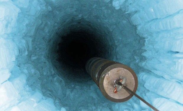 Подледные озера Антарктиды содержат растворенное золото, а сама вода в них теплая: открытие ученых